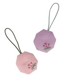 季節の提案商品「匂い袋 藤袴 八角形」